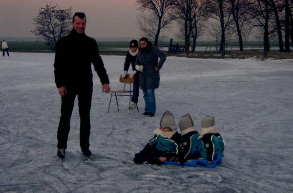 020-mijn-vader-kan-al-schaatsen