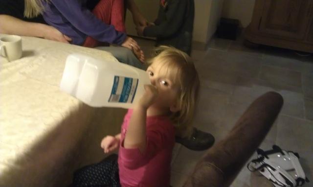 Jade drinkt melk