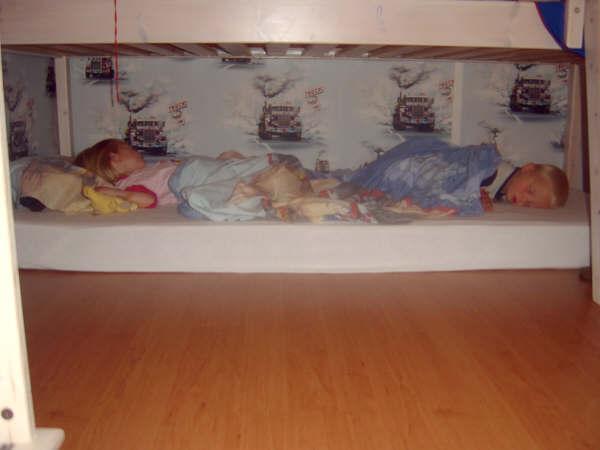 060-en-ze-bleef-ook-slapen