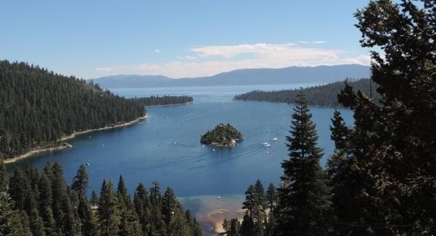 """Uitzicht over het """"Lake Tahoe""""."""
