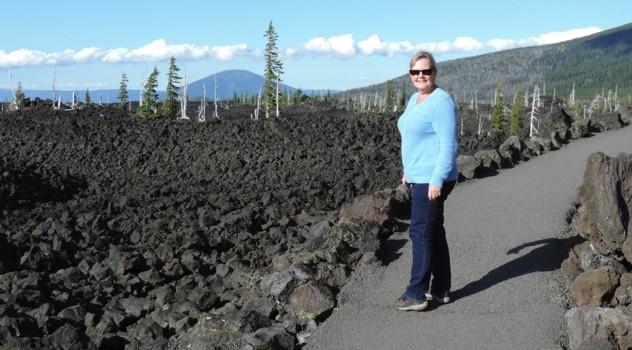 Een uitgestrekt lava veld.