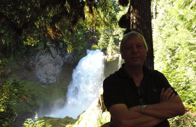 Prachtige watervallen in de Mackenzie rivier.